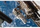 Foto Astronaut an der Raumstation