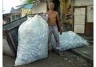Foto Material sortieren, Elendsviertel Jakarta
